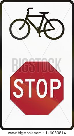 Road Sign Used In The Us State Of Delaware - Stop For Bicyclists