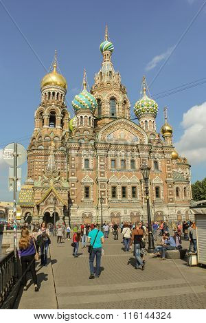 People At The Cathedral Of Our Savior On Spilled Blood.