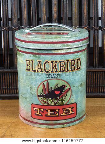 Blackbird Tea Cannister