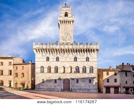 Palazzo Comunale (town Hall) In Montepulciano