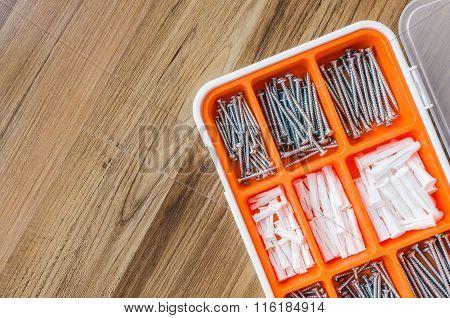 Box Set Of Screw