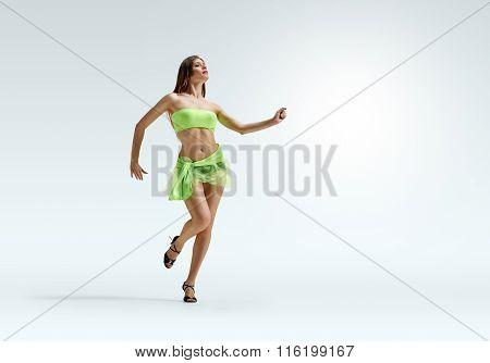 girl dance motion