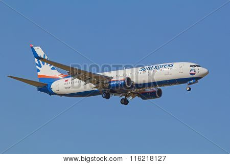 ZURICH - JULY 18: Boeing-737 SunExpress landing in Zurich after short haul flight on July 18, 2015 in Zurich, Switzerland. Zurich airport is home for Swiss Air and one of biggest european hubs.
