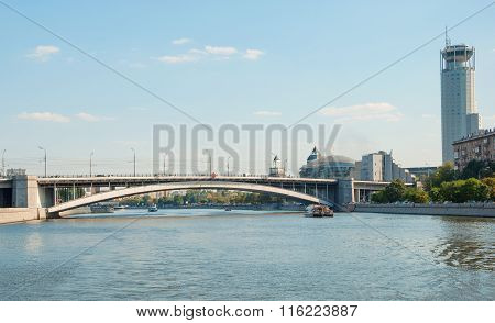 Krasnokholmsky bridge in Moscow