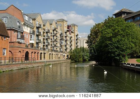 Apartments Overlooking Canal In Reading, Berkshire