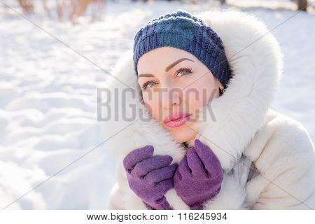 Pretty Woman In Elegant Winter Outfit