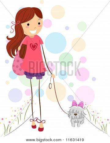 Mädchen Spaziergang mit ihrem Hund