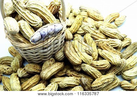 Boiled peanuts in/around wooden basket