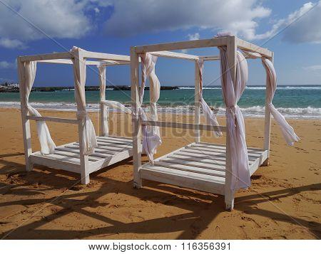 Beachy bed