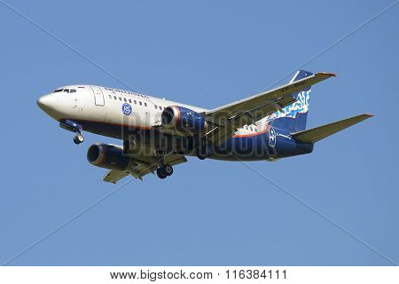 Flying Boeing 737-5Y0 (VP-BQI ) company Nordavia