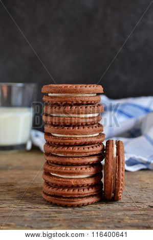 Chocolate cookies and milk
