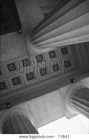 Columns & Ceiling