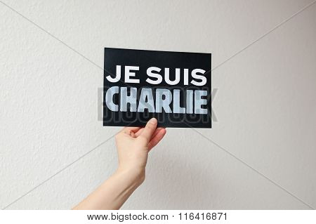 Je Suis Charlie Sign In Woman's Hand