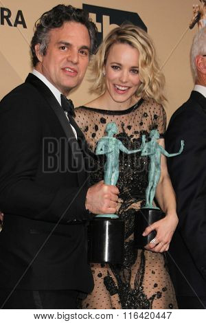 LOS ANGELES - JAN 30:  Mark Ruffalo, Rachel McAdams at the 22nd Screen Actors Guild Awards at the Shrine Auditorium on January 30, 2016 in Los Angeles, CA