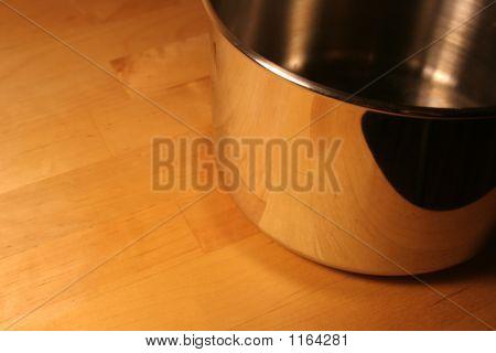 Metallic Pot
