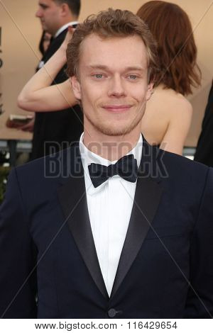 LOS ANGELES - JAN 30:  Alfie Allen at the 22nd Screen Actors Guild Awards at the Shrine Auditorium on January 30, 2016 in Los Angeles, CA