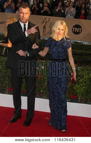LOS ANGELES - JAN 30:  Liev Schreiber, Naomi Watts at the 22nd Screen Actors Guild Awards at the Shrine Auditorium on January 30, 2016 in Los Angeles, CA