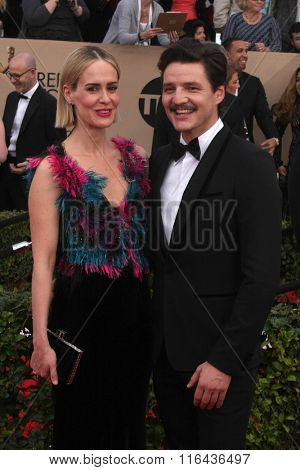 LOS ANGELES - JAN 30:  Sarah Paulson, Pedro Pascal at the 22nd Screen Actors Guild Awards at the Shrine Auditorium on January 30, 2016 in Los Angeles, CA