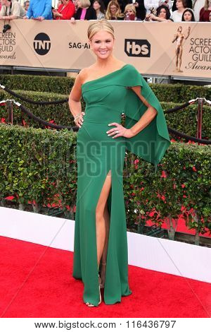 LOS ANGELES - JAN 30:  Nancy O'Dell at the 22nd Screen Actors Guild Awards at the Shrine Auditorium on January 30, 2016 in Los Angeles, CA