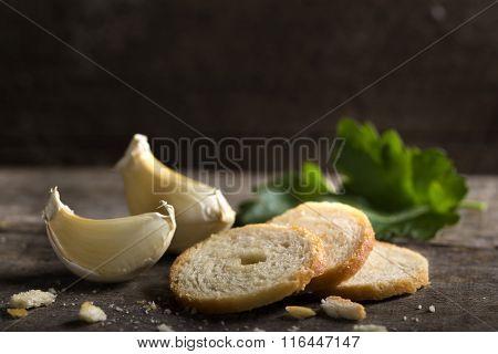 Delicious Garlic Crackers