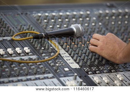 Adjusting of sound board