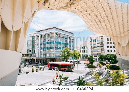 Metropol Parasol is a wooden structure located Plaza de la Encar
