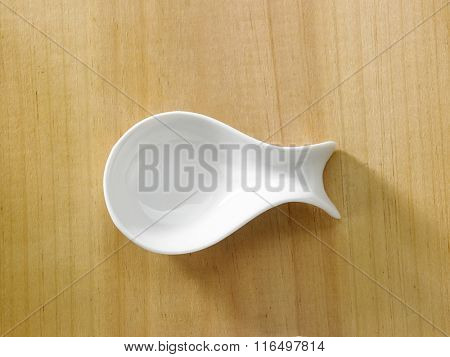 fish shape saucer