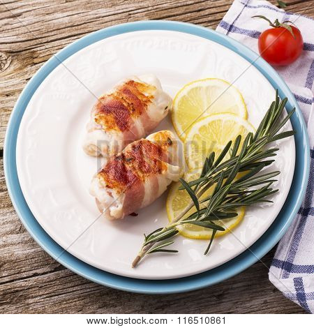 Chicken rolls with bacon grilled for a healthy diet