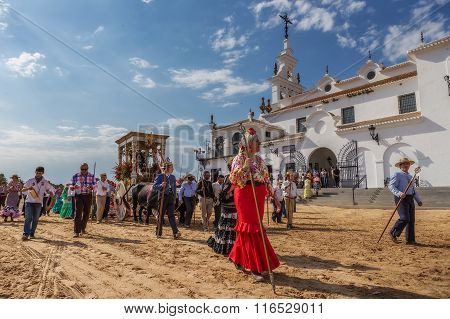 El ROCIO ANDALUCIA SPAIN - MAY 22, 2015: Romeria after visiting the Sanctuary goes to village. It is one of the most famous pilgrimage of Spain. This pilgrimage passes from the 15th century.