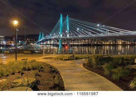 Tilikum Crossing By The Waterfront Aty Night