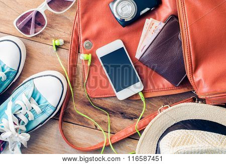 Travel Accessories Costumes, Luggage, glasses The Cost Of Travel Hat Prepared For The Trip