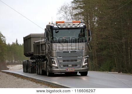 Bronze Volvo FH16 Truck Hauls Limestone