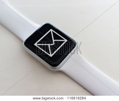 Using smart watch for receiving email messages