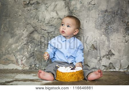 Adorable Baby Smashing Cake