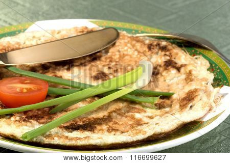 Matzah Brei – Scrambled Eggs With Matzah Pieces