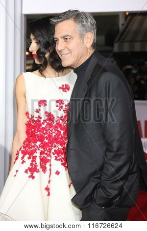 LOS ANGELES - FEB 1:  Amal Clooney, George Clooney at the Hail, Caesar World Premiere at the Village Theater on February 1, 2016 in Westwood, CA