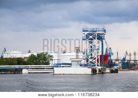 Oil Terminal With Equipment For Tankers Loading