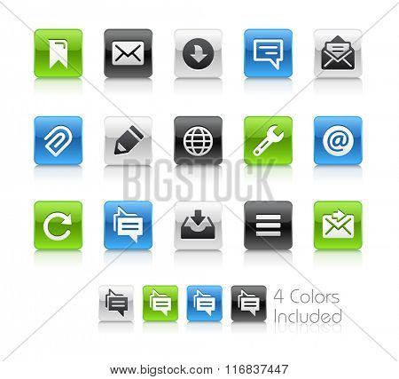 Web and Mobile Icons 9 / The file Includes 4 color versions in different layers.