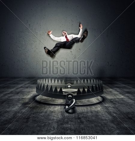man fall in a 3d  trap