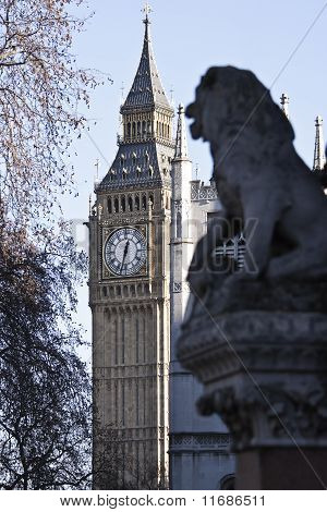 Big Ben and lion