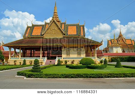 Phnom Penh tourist attraction and famouse landmark