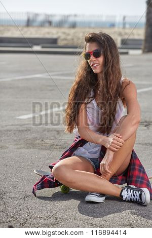 Fashion hipster cool girl in sunglasses