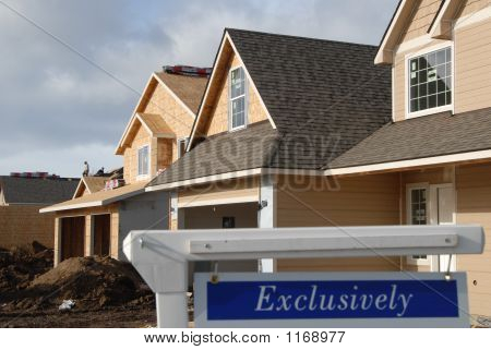 Exclusive House Market