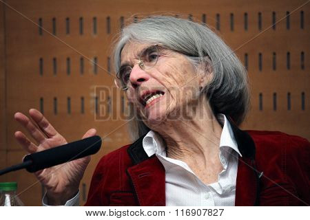 Donna Leon Winner Of Prize Pepe Carvalho 2016