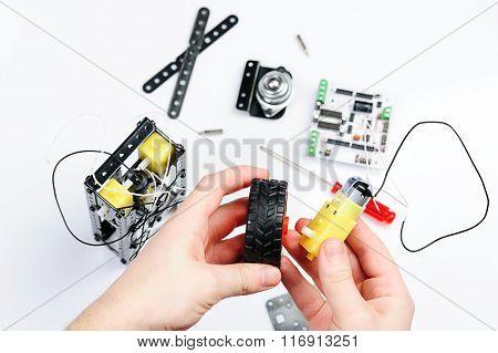 Assemble Wheel Fot Robot