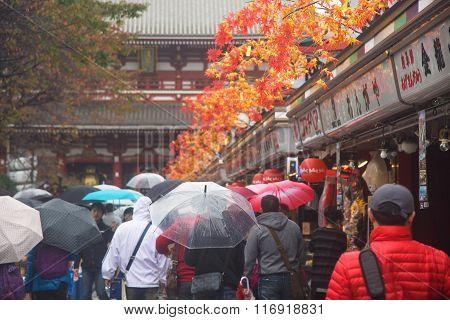 Poeple Walk To Sensoji Temple