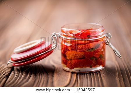 Natural diy home dried tomatoes