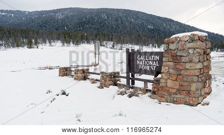 Gallatin National Forest Wyoming Entry Sign Territory United States