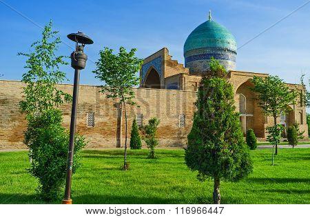 The Garden Of Hazrat Complex