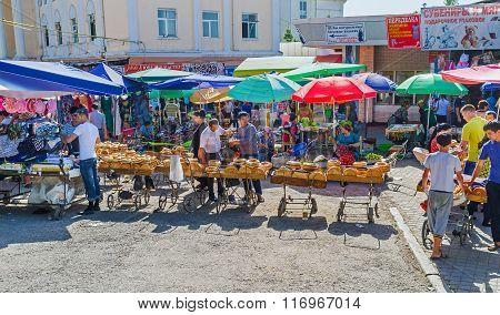 Visiting Chorsu Bazaar